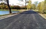 Nová cesta na hrázi Milíčovského rybníka