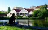 Práčský rybník v areálu organizace